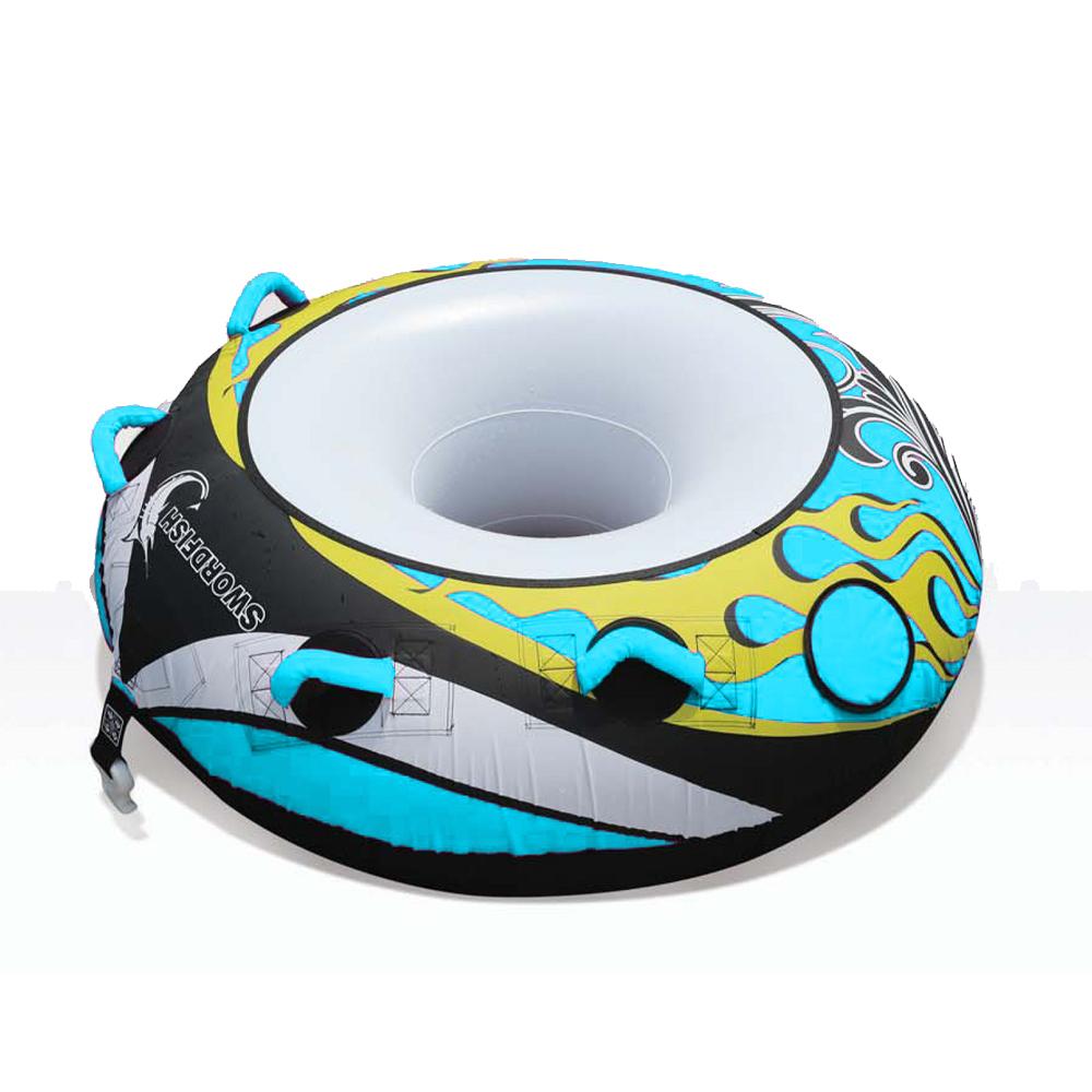 Аттракцион надувной Swordfish Classic буксируемый, одноместный, голубойВодные аттракционы<br>. Частичное покрытие нейлоном<br>. Неопреновая площадка<br>. 4 EVA мягких ручкек,<br>. Самостоятельная вентиляционные дренажи воды<br>. Мягкая покрытие<br>