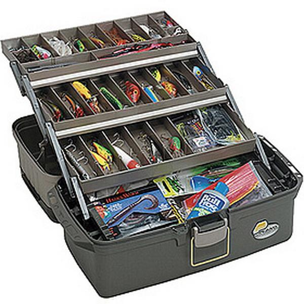 Ящик Plano 6134-02Ящики<br>В этой модели довольно емкая внутренняя часть, в ней можно хранить разные крупные предметы.<br>