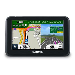 """Автонавигатор Garmin Nuvi 40GPS навигаторы<br>Начинайте движение к пункту назначения и предоставьте выбору пути nuvi 40. Это устройство с сенсорным экраном 4.3"""" (10.92 см) обеспечивает точные навигационные инструкции для движения по маршруту от точки к точке и произносит названия улиц.<br>"""