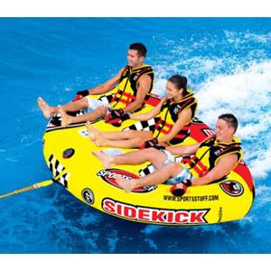 Водный аттракцион Sportsstuff  Sidekick 3Водные аттракционы<br>Запрыгивай в баллон Sidekick 3 вместе со своими друзьями-ниндзя!<br>