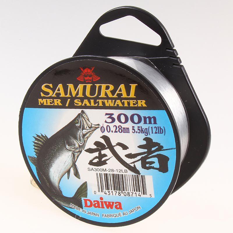 Монолеска DAIWA Samurai SA SW 300 мМонофильные лески<br>Совсем недавно была изобретена монофильная леска - синтетический продукт, изготавливаемый из полимерных материалов, она быстро заменила леску из шелковых и льняных нитей. Её плюс в том, что она состоит всего из одной нити, это позволяет максимально естест...<br>