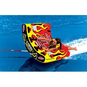 Водный аттракцион Sportsstuff  U Slalom 1Водные аттракционы<br>U Slalom 1 –это новый управляемый буксируемый баллон, с которым можно совершать маневры, ездить слалом, подпрыгивать, поворачивать и делать комбинации движений на волновом следе или гребне, оставляемом лодкой.<br>