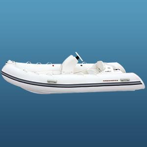 Лодка Laker RIB 390 - с витриныЛодки надувные RIB<br>Лодка RIB - лодка с жёстким днищем и надувными баллонами. Эта лодка обладает качествами настоящего катера, такими, как комфортабельность, грузоподъёмность, мореходность, маневренность и высокая скорость, и качествами компактной надувной лодки - небольшой ...<br>