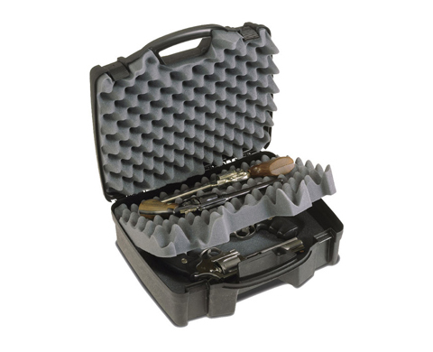 Кейс Plano для пистолетов 1404-00Сумки<br>Удобный и вместительный охотничий кейс, рассчитанный на одновременную транспортировку нескольких единиц оружия (пистолеты – 4 шт.). Для их размещения предусмотрено 2 отделения из плотной пены. Их рельефная поверхность позволит удобно расположить оружие, ч...<br>