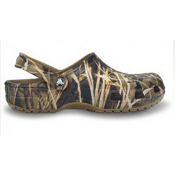 Сандали Crocs Classic Realtree Kha M11, р-р 44,5 (75055)Сандалии и сабо<br>Фирменная обувь Crocs изготавливается из запатентованного материала Croslite. Это не резина и не пластмасса, это инновационный полимер, благодаря которому обувь CROСS такая мягкая, легкая и удобная.<br>