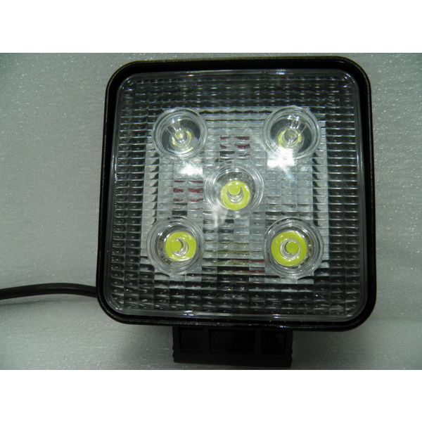 Фара DA С/Д 2010-15W flood beamСветовые приборы<br>Фара квадратной формы с 5 LED дампами. апряжение может колебаться от 10 до 30 вольт.<br>