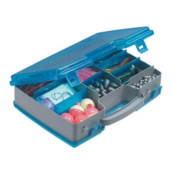 Коробка Plano 1715-02Коробки<br>Коробка для рыболовных принадлежностей, выполнена из ударопрочного пластика, с надежными запорами.<br>