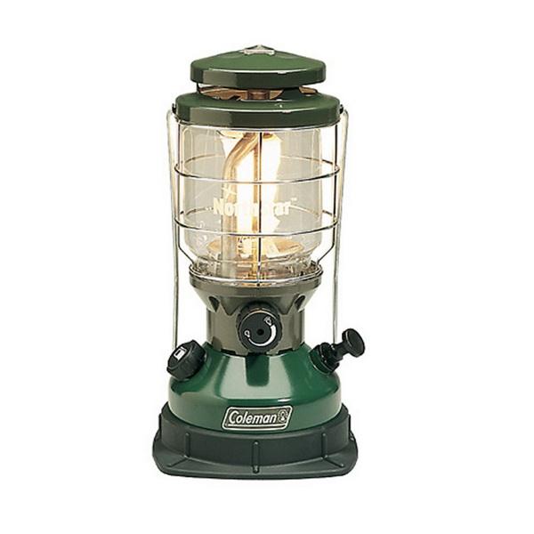 Лампа Coleman на жидком топливе NorthstarГорелки<br>Бензиновая лампа Coleman Northstar – безопасная, экономичная и в то же время яркая бензиновая лампа. Защитная решетка и устойчивая подставка делают лампу очень удобной при использовании в любых условиях.<br>